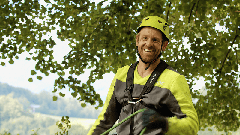 SAYAQ Tree Climbing Mitarbeiter und Baumliebhaber Martin